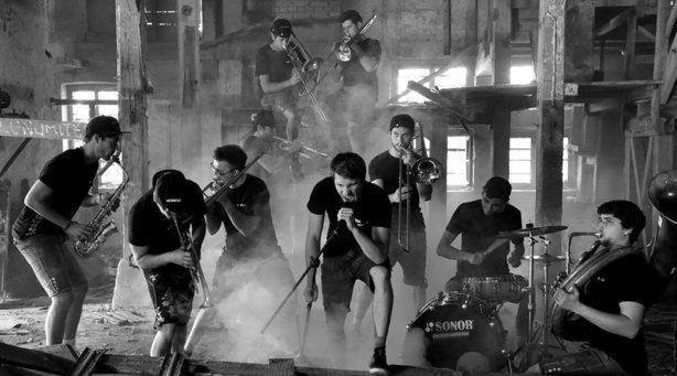 Bild: Blassportgruppe - schwarz auf weiss