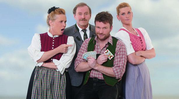 Bild: Chiemgauer Volkstheater - Ernis Heisse Spur