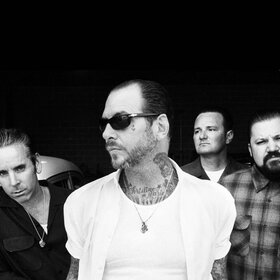 Image: Social Distortion