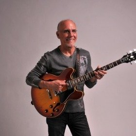 Bild: Larry Carlton