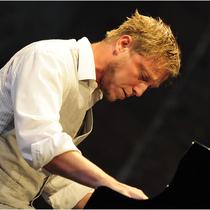 Bild: Martin Tingvall - Solo Piano - Distance Tour