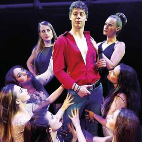 "Image: ""SexBomb"" - Das Tom Jones Musical"