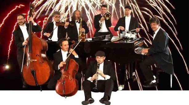 Bild: Vollmondkonzert auf der Weissenburg