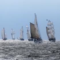 Bild: JadeWeserPort-CUP 2016 - Wilhelmshaven unter Segeln