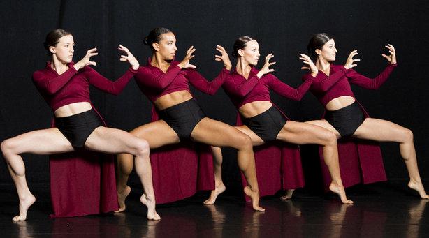 Bild: Shadows in motion - Getanzte Geschichte(n) aus Licht und Schatten mit der Jon Lehrer Dance Company (USA)