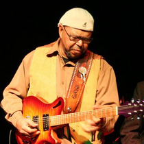 Bild: Larry Garner meets the Norman Beaker Band