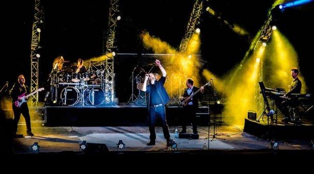 Geneses - Europas größte Genesis Tribute Show - A Genesis Déjà – Vu Tour