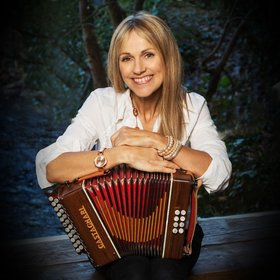 Image: Sharon Shannon & Band