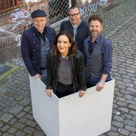 Image: Kom(m)ödchen-Ensemble - CRASH