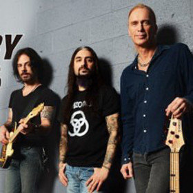 Image: THE WINERY DOGS