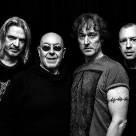 Bild: Nazareth - Gründer Manny Charlton mit Band