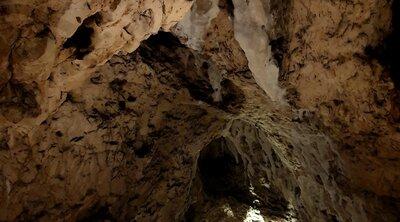 Karsthöhle Hohler Fels
